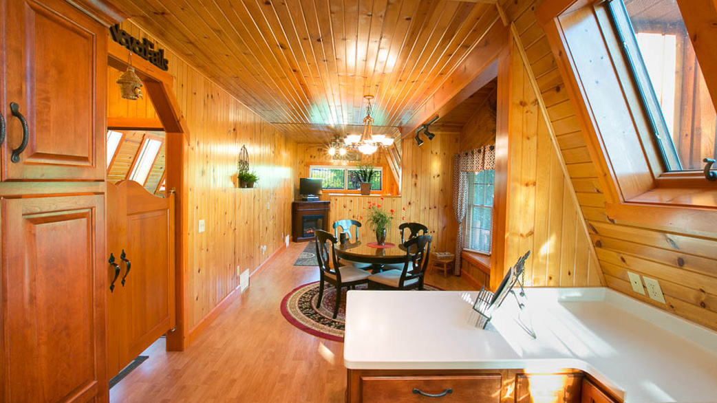 Twilight Cabin | Briarwood Amish Country Cabins - On the